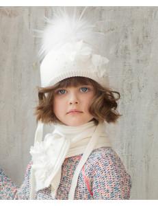 """Комплект белый шапка зимняя с шарфом с белыми цветами """"Вивьен"""""""